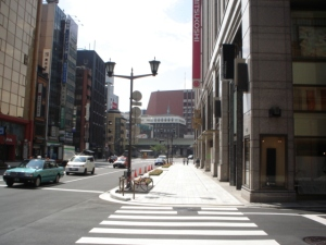Looking down the street outside Mitsukoshi.